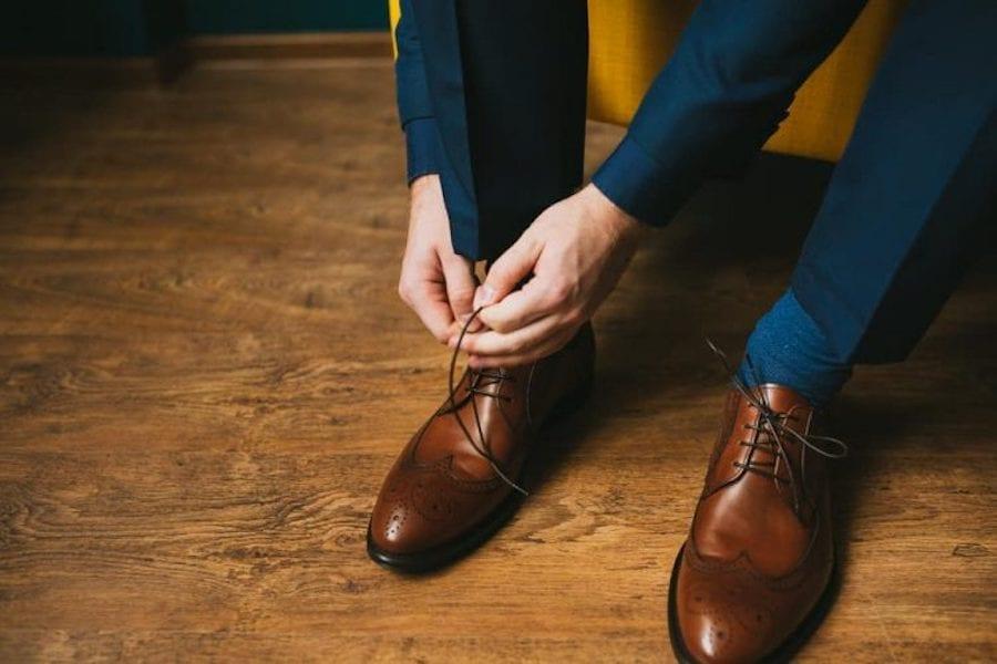 Kék öltöny barna cipővel? Szerinted jó választás?