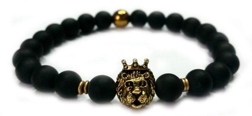 Matt ónix arany színű koronás oroszlán gyöngy karkötő 8mm